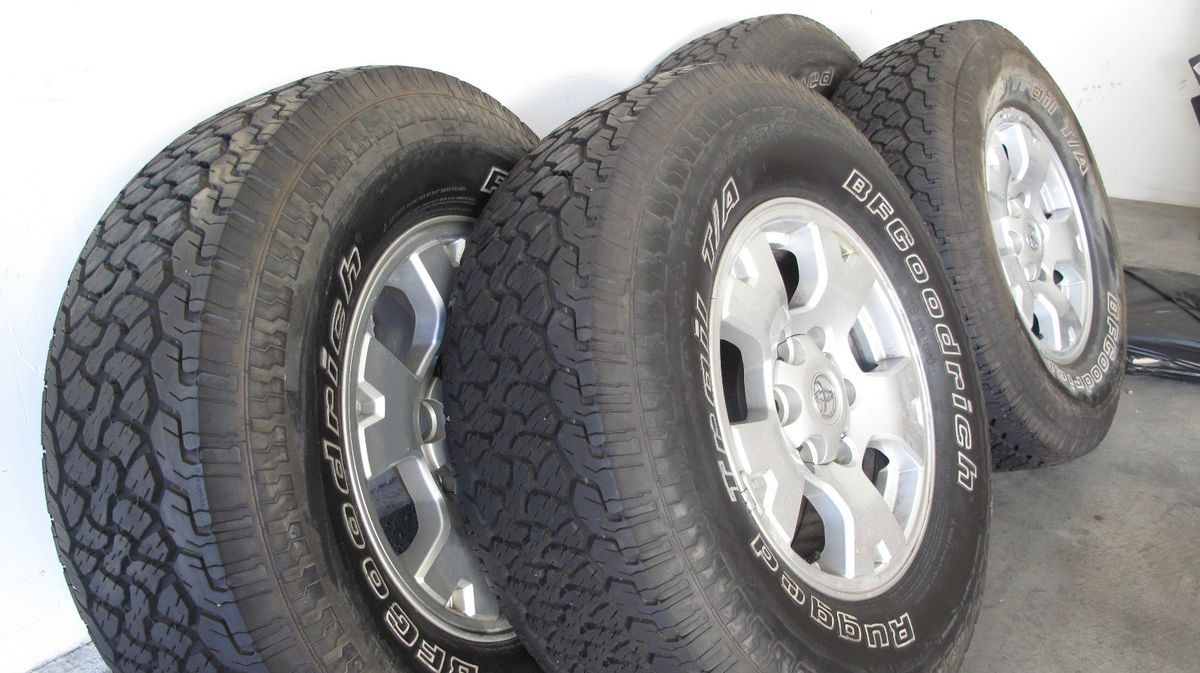 2007 Toyota Tacoma factory wheels and tires Rugged Trail 265 70R16 set